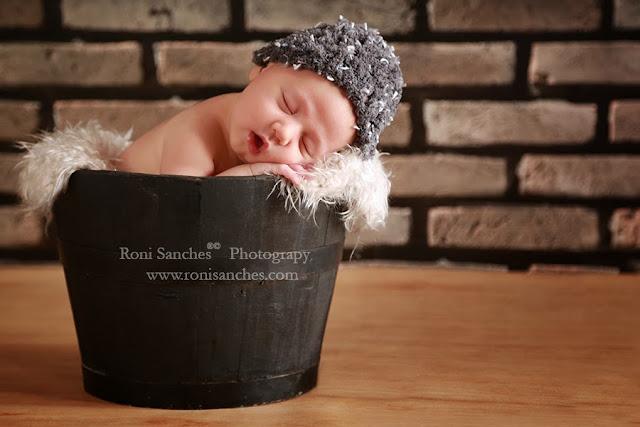Bebe recém-nascido foto