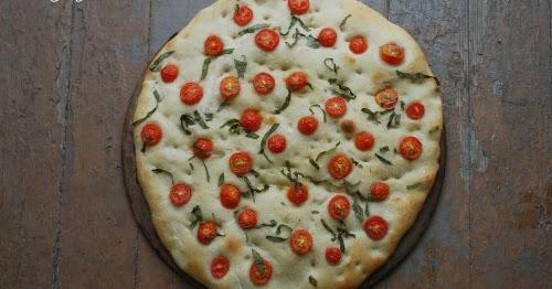 Quick(ish) Tomato Basil Sourdough Focaccia