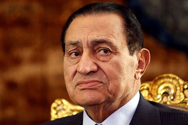 بيان صحفى من الرئيس الأسبق مبارك ردا على تقرير ال BBC التى اتهمته بالتفريط بمصر