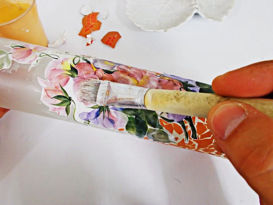 DIY-ideas decoración-reciclaje-diogeneras-botella-cristal-vidrio-cáscaras de huevo-decoupage-4