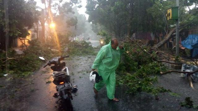 Puting Beliung Terjang Bogor, 770 Rumah Rusak, 1 Orang Meninggal