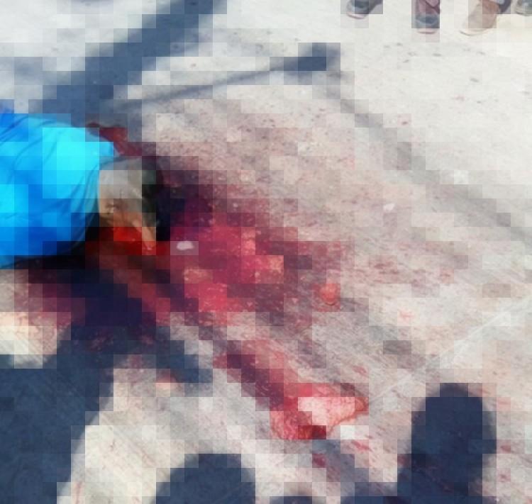Fotografías, Sicarios lo bajan de Bus lo hincan y lo ejecutan