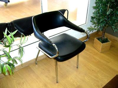 decoracion silla retro de skay negro