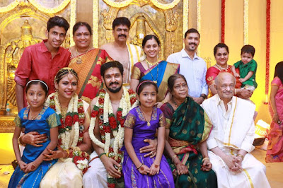 Nakul-Sruti-with-family