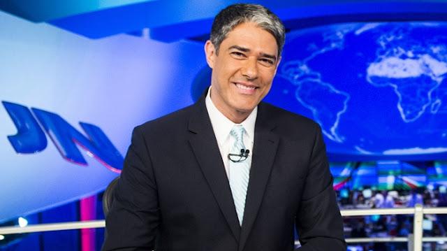 """William Bonner não estará na bancada do """"Jornal Nacional"""" desta terça-feira (29). Isso porque ele perdeu o pai, William Bonner, na manhã de hoje e recebeu licença da Globo."""