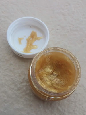 Peter Thomas Roth 24K Gold Mask Pure Luxury Lift and Firm Mask - www.modenmakeup.com
