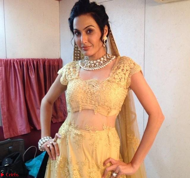 Kamya Punjabi Stunning TV SHow Actress Pics