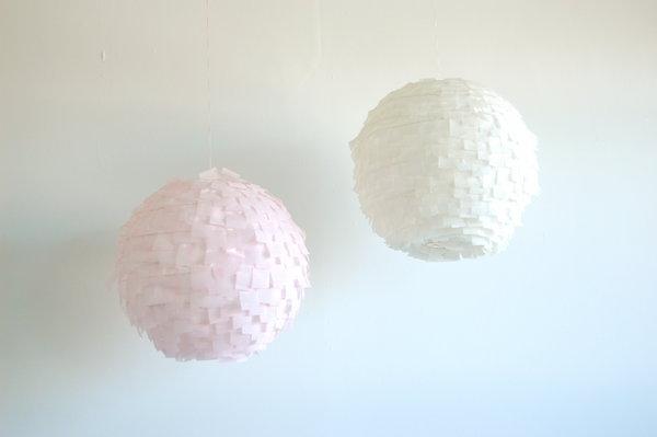 Decoraxpoco las lamparas de papel est n a la ltima - Como decorar tulipas de lamparas ...