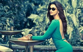 Cute HD Pictures of Deepika Padukone