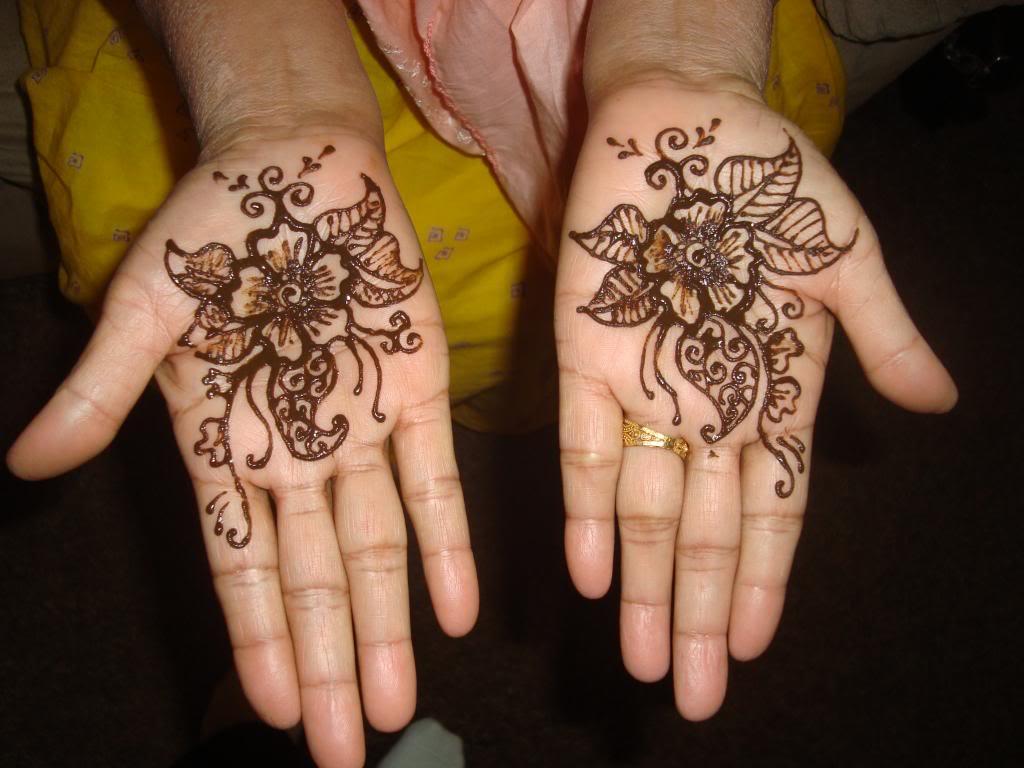 Henna Ideas: Flower Henna Designs