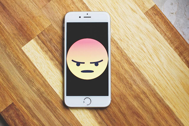 Perbedaan Emoji, Emoticon dan Sticker