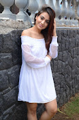 Aksha latest sizzling photo shoot-thumbnail-6