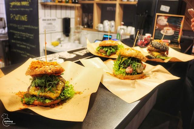 Boskie frytki i żeberka, smakowite poutine i burgery - Pittu Pittu