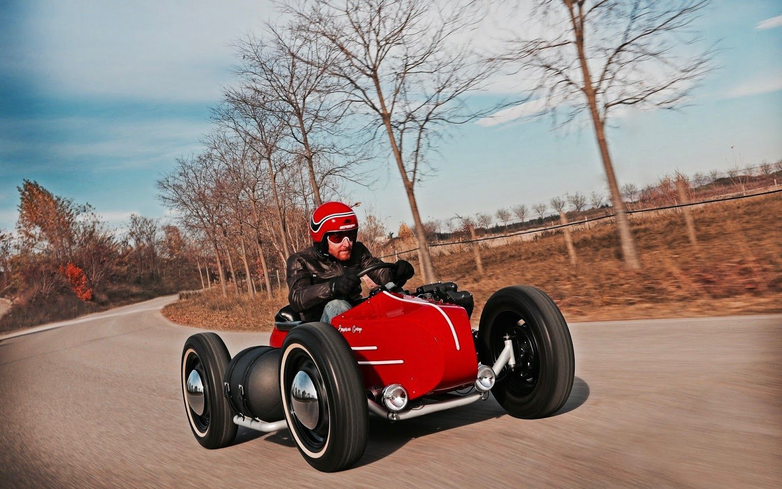 Oil stain garage: Harley Davidson Sidecar 4-wheeler