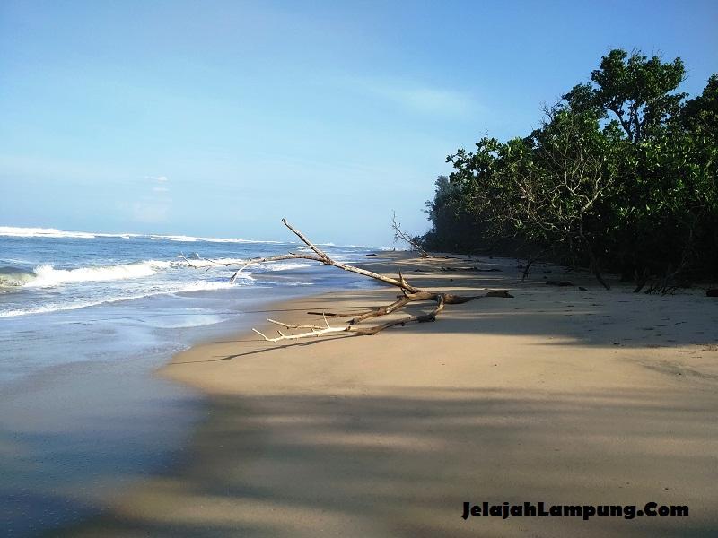 pantai terindah di lampung