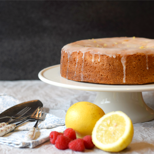 An olive oil cake recipe flavoured with lemon