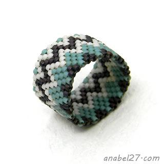 beadwoven ring peyote ring beadwork