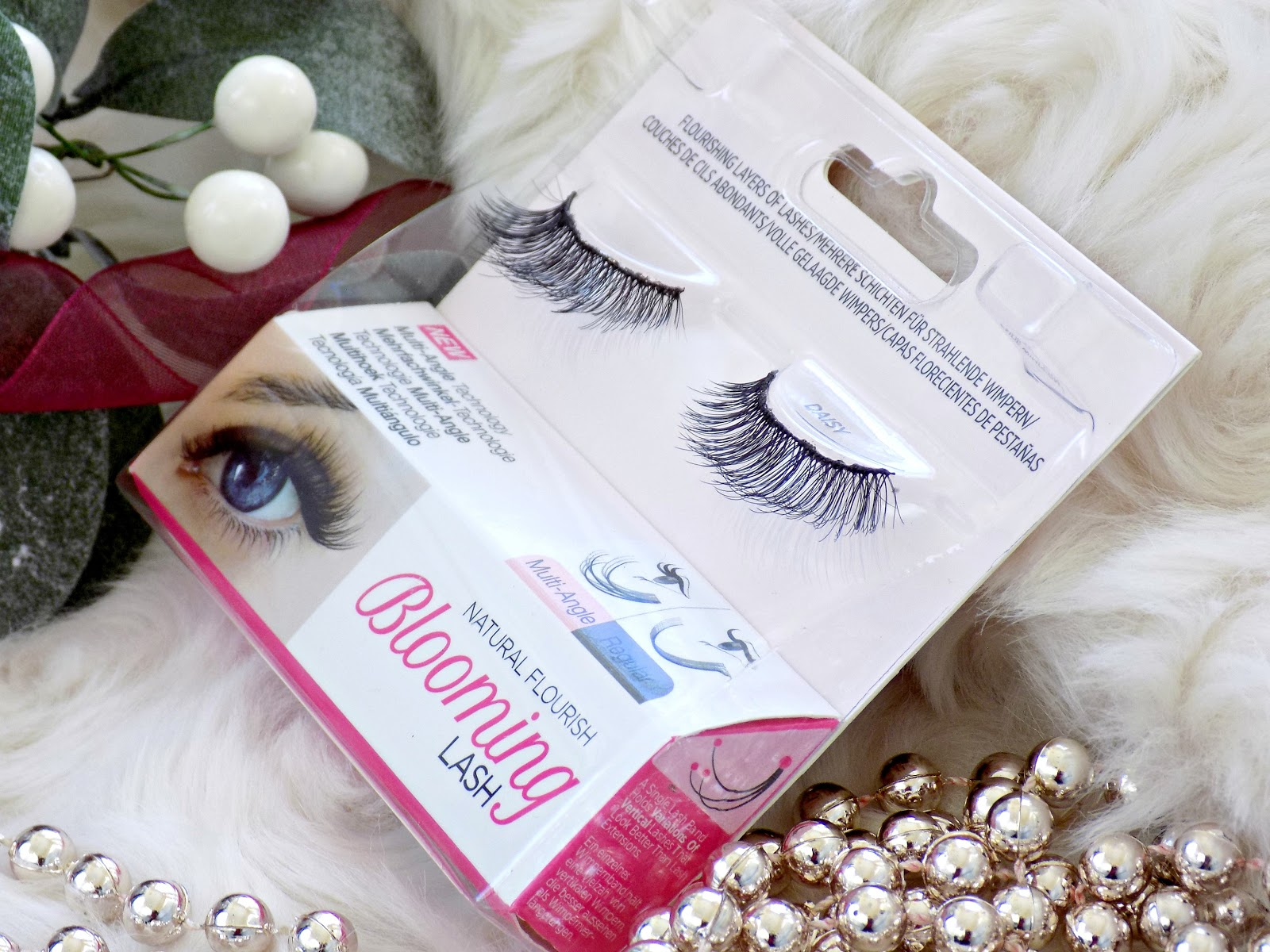Kiss Blooming Lash style Daisy