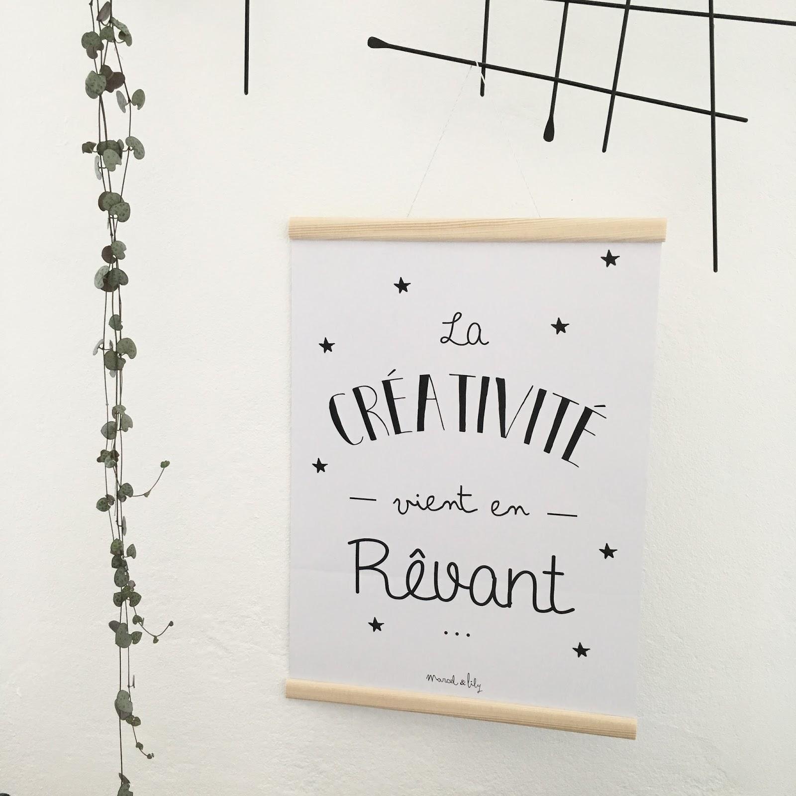 un nouveau regard diy un joli cadre en bois pour vos affiches. Black Bedroom Furniture Sets. Home Design Ideas