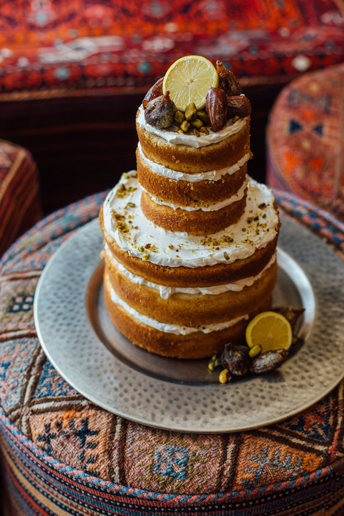 Montana wedding / Photography: Kacie Q. Photography / Styling + Flowers: Katalin Green / Cake: Sweet Pea Bakery /