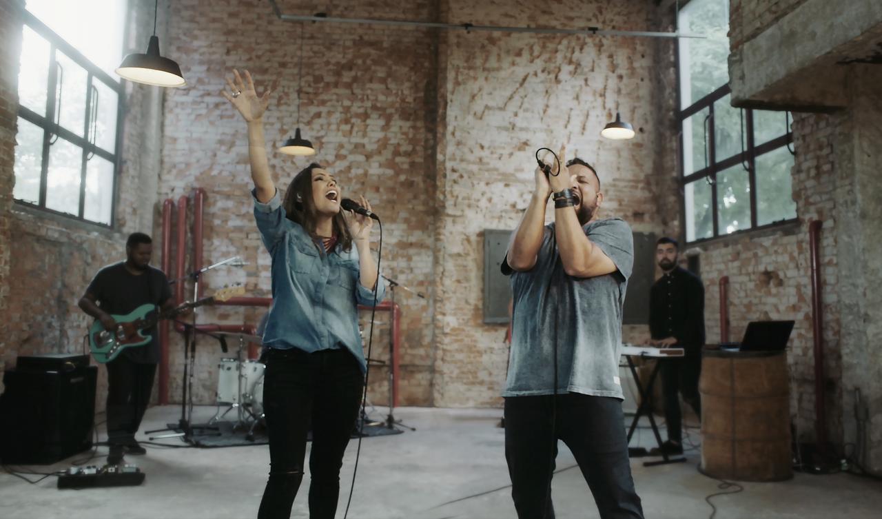 """Clipe """"Yeshua"""" de Heloisa Rosa e Fernandinho chega a 2 milhões de views no YouTube"""