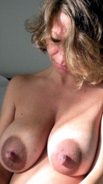 Gepiercte Dicke Titten Milf durch genagelt