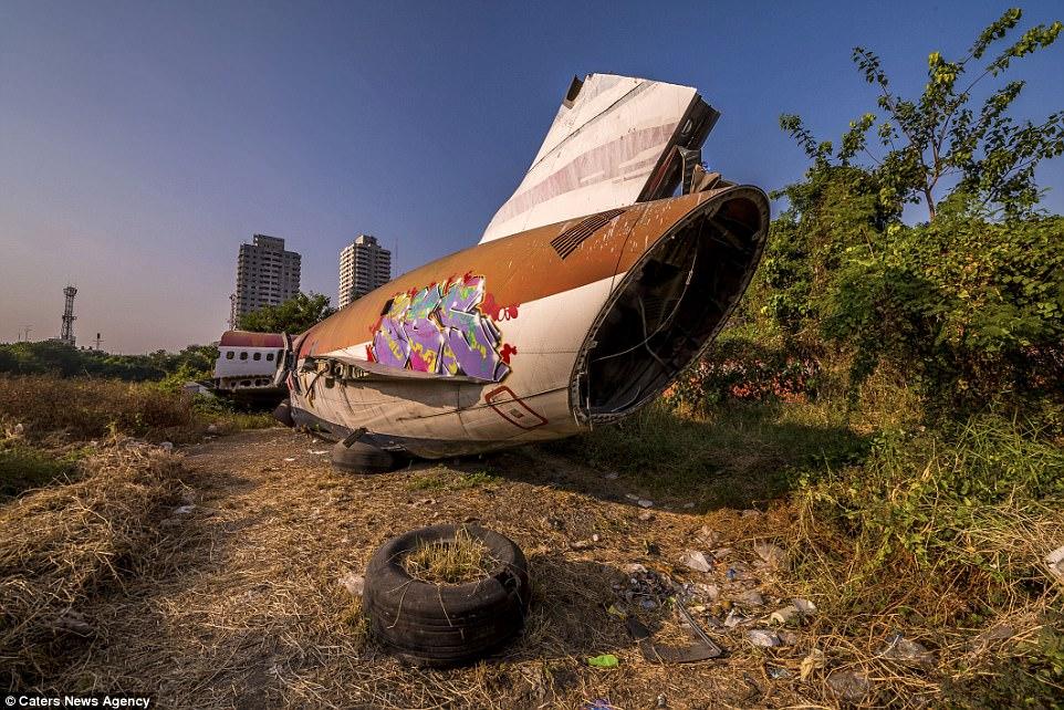 Bangkok%2Bplane%2Bgraveyard%2B28.jpg