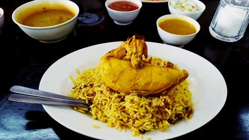Makan Nasi Arab di Restoran Nasi Arab, Jalan Reko, Kajang.