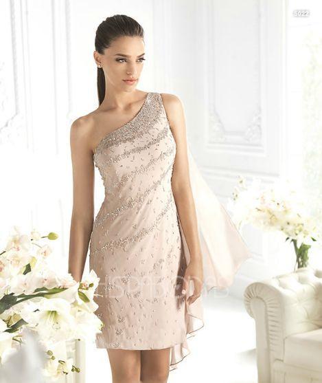 ¿Boda a la vista? Seleccionamos 20 vestidos para invitadas a bodas aptos para todo tipo de presupuestos en este Isabel Zapardiez, Paula del Vas, Carolina Herrera, asos, Mango, Aire.
