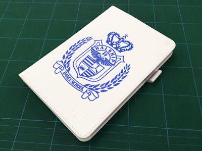 ロゴマークを印刷した「iPad mini3」カバーケース写真