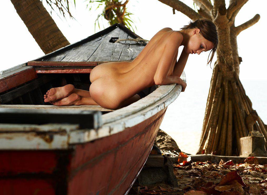 Эротика онлайн в лодке