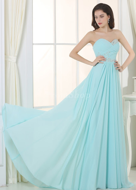 """8 Classic Dresses for Prom"" Blog Post/Article by @TheGracefulMist (www.TheGracefulMist.com) - Simple Mint Dress with Heart Neckline"
