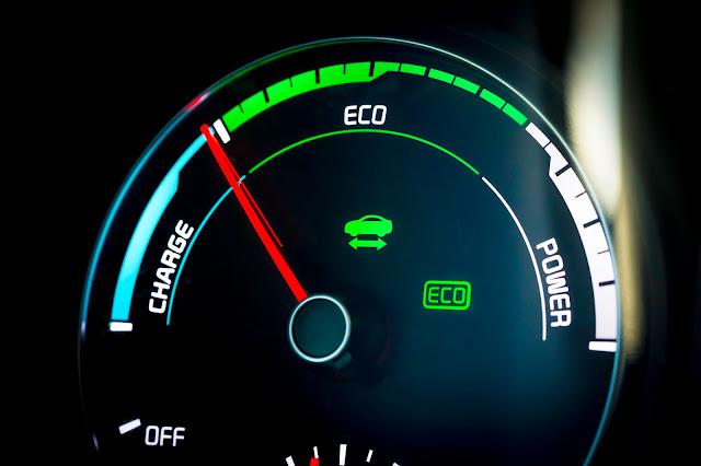 Eco gauge in 2017 Kia Optima Plug-In Hybrid