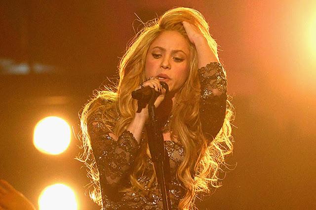 4. Shakira (Penyanyi)