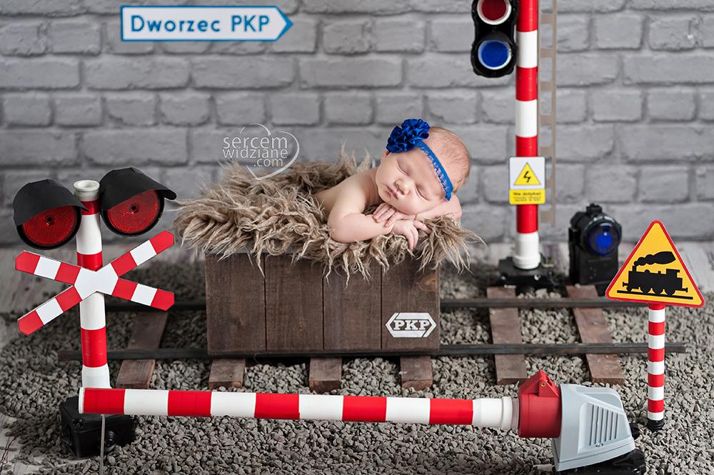 najciekawsze zdjęcia noworodkowe, niebanalne sesje noworodkowe, autorskie stylizacje do sesje dla noworodków, niespotykane zdjęcia noworodków, fotograf specjalizujący się w pracy z noworodkami,