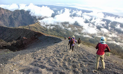 Slid downhill to Plawangan Sembalun Crater altitude 2639 m of Mount Rinjani