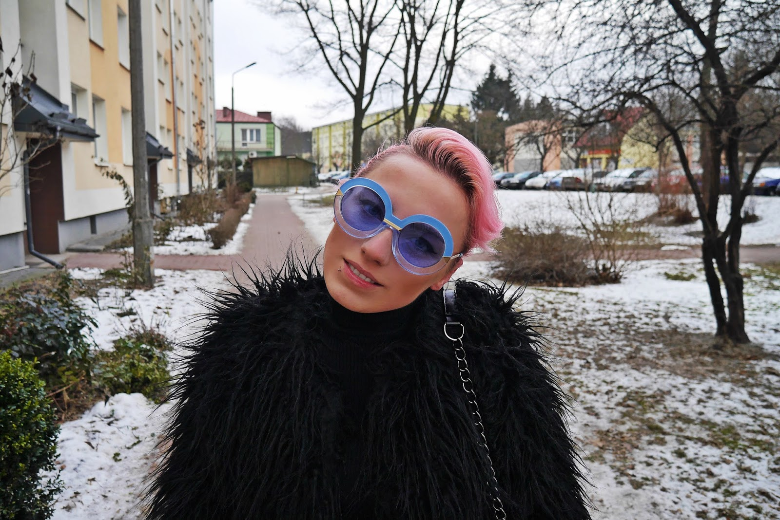 pink_hair_look_karyn_blog_fur_black_010217