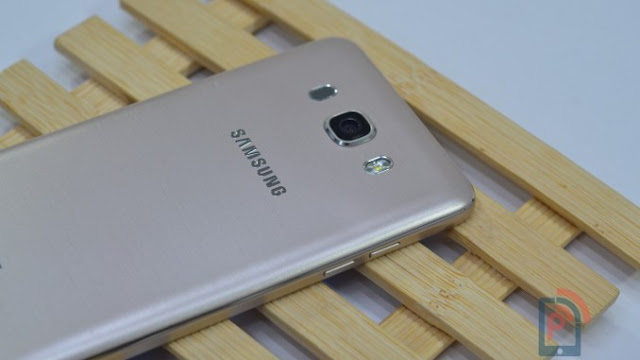 Samsung to Use Selfies Instead of Ambient Light Sensor to Offer Auto Brightness Feature