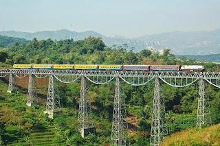 Gambar Jembatan Paling Seram Angker - Cirahong Tasikmalaya