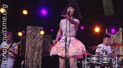 Kimbra Vow's To America