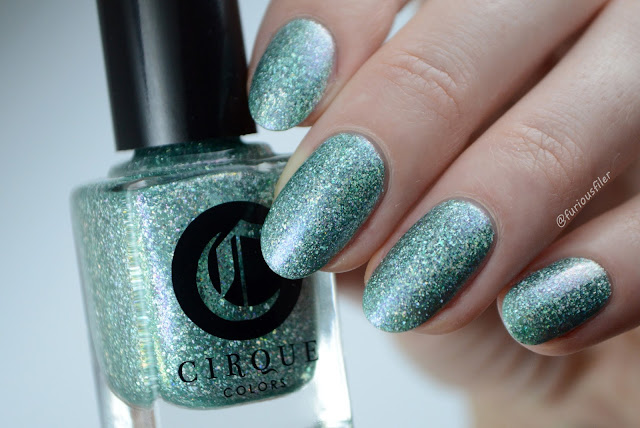 cirque winter bloom mint flakes christmas party nails