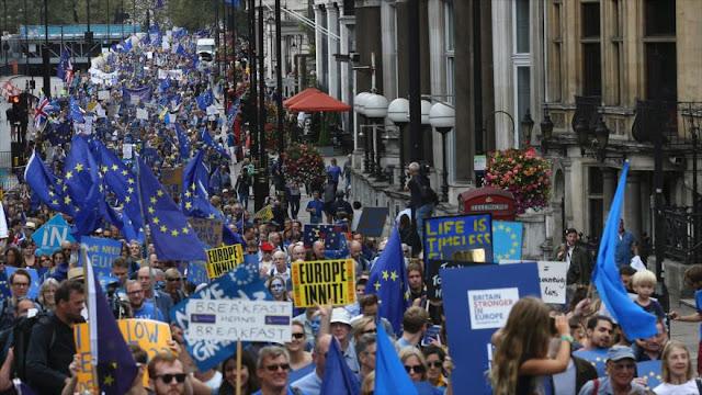 Miles de británicos marchan en Londres contra el brexit