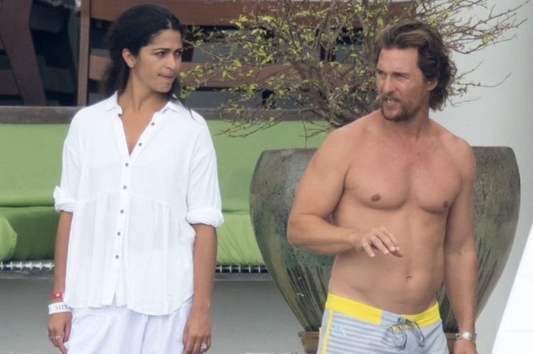 Matthew McConaughey shirtless and his wife Camilla Alves spend time in Miami beach