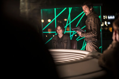 Image of Felicity Jones and Diego Luna in Rogue One A Star Wars Story (19)