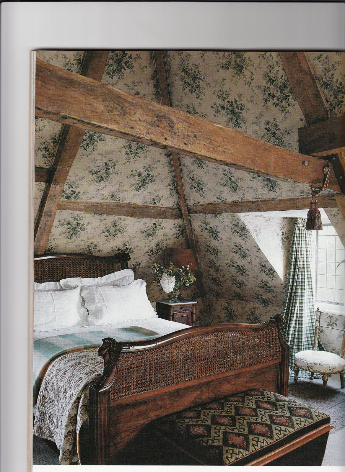 Hydrangea Hill Cottage: English Country Decorating