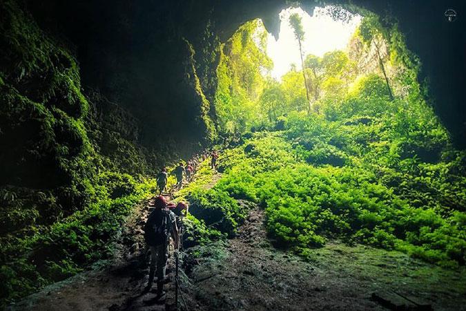 Dlium Jomblang Cave