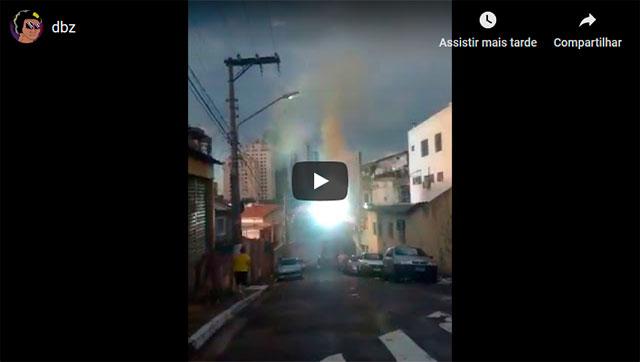 https://www.ahnegao.com.br/2019/04/o-momento-em-que-uma-luta-do-dragon-ball-comeca-a-acontecer-no-meio-da-sua-cidade.html