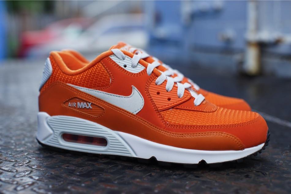 """brand new d8cd1 9beca TODAYSHYPE: Nike Air Max 90 Essential """"Solar Orange"""""""