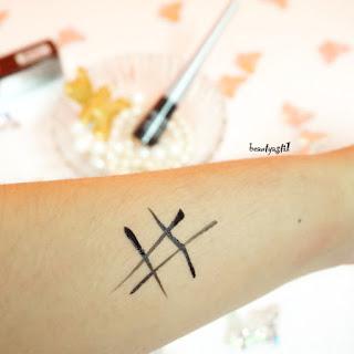 wardah-eyexpert-staylats-liquid-eyeliner-swatch.jpg