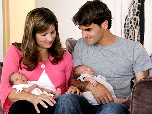 Roger Federer With Wife And Kids
